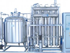 供应内螺旋多效蒸馏水机